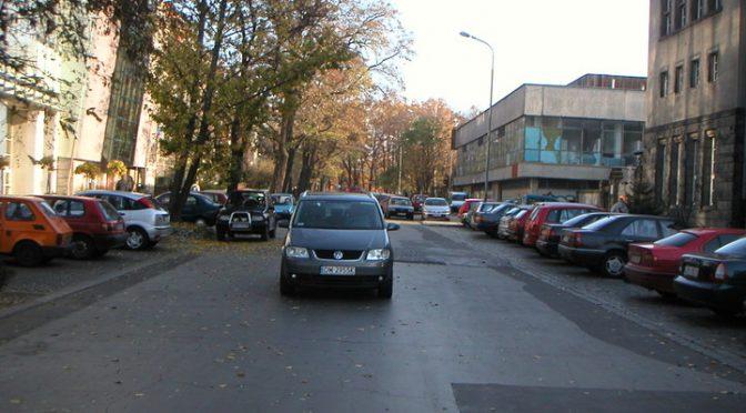 Parkowanie, parkingi,…