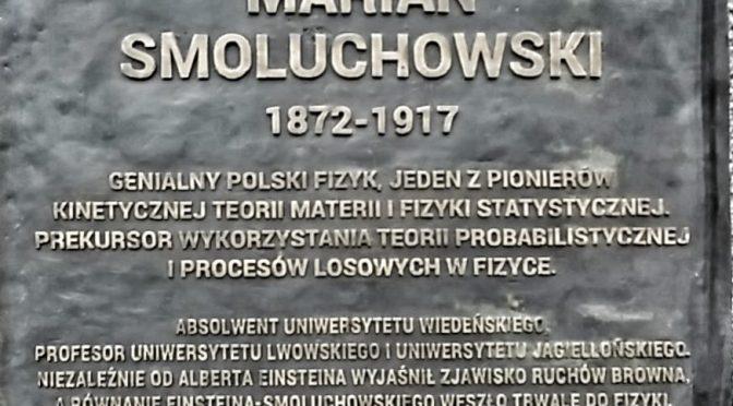Pomnik prof.Mariana Smoluchowskiego stanął przy budynku B1